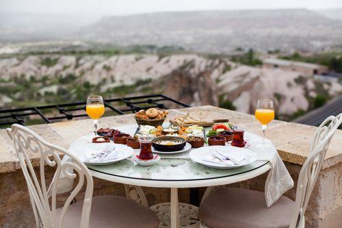 lil-a-cappadocia-teras-bar-lounge